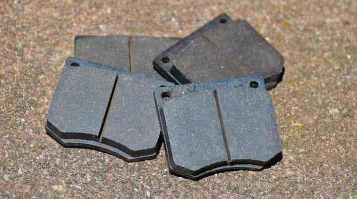 5 Symptoms of Bad Brake Pads and Discs and Replacement Cost