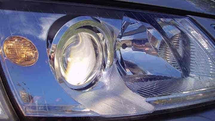 Pros and Cons of Using Xenon Lighting in Your Vehicle